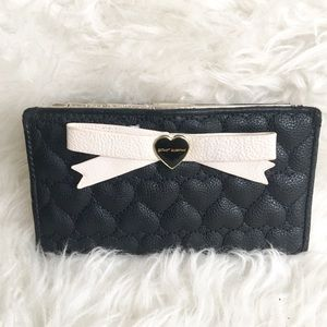 Betsey Wallet